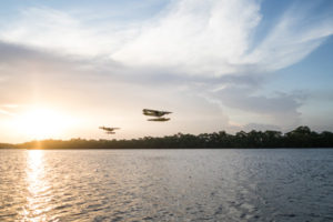 Survol en formation avec les ailes hydro de Montsinéry